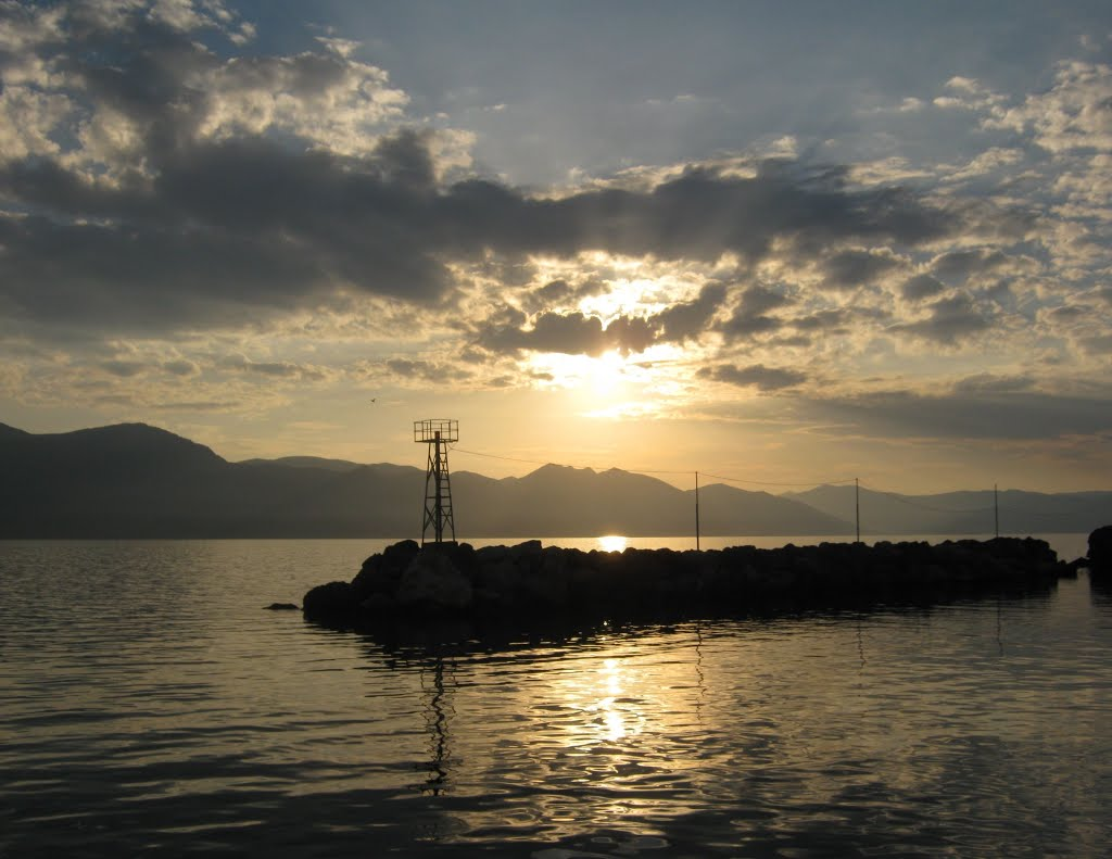 Port Vathy 1.jpg